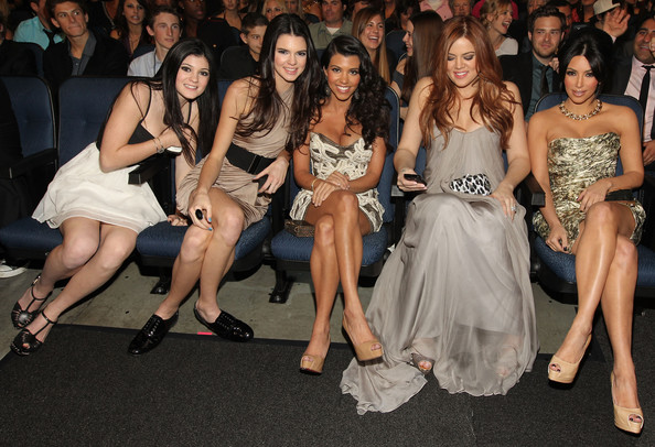 Kendall Jenner (L-R) TV personalities Kylie Jenner, Kendall Jenner, Kourtney Kardashian, Khloe Kardashian and Kim Kardashian attend the 2011 People's Choice Awards at Nokia Theatre L.A. Live on January 5, 2011 in Los Angeles, California.