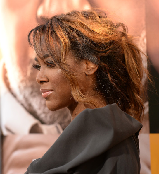 Kenya Moore Photos Photos Arrivals At The Peeples Premiere In
