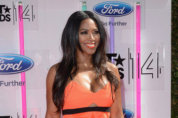 Kenya Moore BET AWARDS '14 - Arrivals