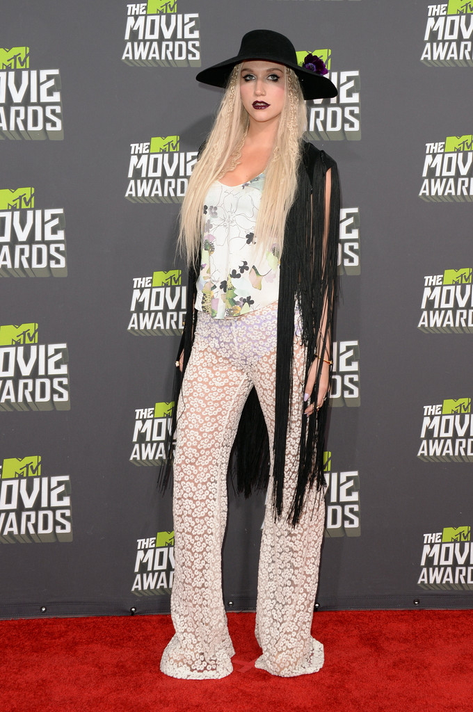 مـهـرجــــان 2013 Movie Awards Kesha 2013 MTV Movie Awards Arrivals G1yzVfHTqaNx.jpg