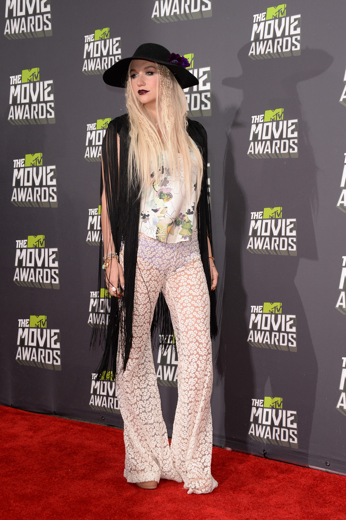 مـهـرجــــان 2013 Movie Awards Kesha 2013 MTV Movie Awards Arrivals IXOyCG7qP3ax.jpg