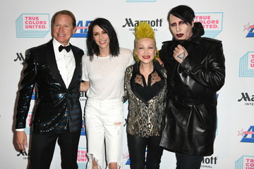 Kesha Cyndi Lauper And Friends: Home For The Holidays Benefit