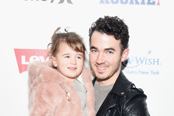 Kevin Jonas Rookie USA - Backstage - February 2017 - New York Fashion Week: The Shows