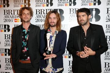 Kevin Palmer Cam Avery Brit Awards 2016 - Winners Room