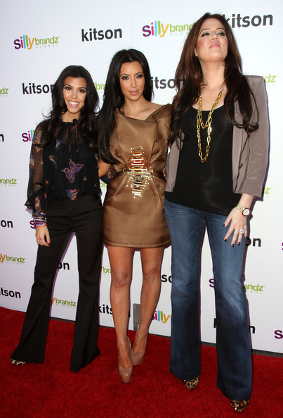 How Tall Is Kourtney Kardashian Height And Weight ...