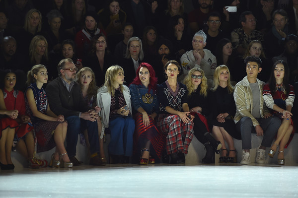 Marc Jacobs Fall 2016 Show - Front Row [marc jacobs fall 2016 show,social group,fashion,event,fashion design,audience,performance,recreation,crowd,performance art,performing arts,amandla stenberg,john currin,kiernan shipka,marc jacobs,natasha lyonne,juliette lewis,lizzy plapinger,front row,fashion show]