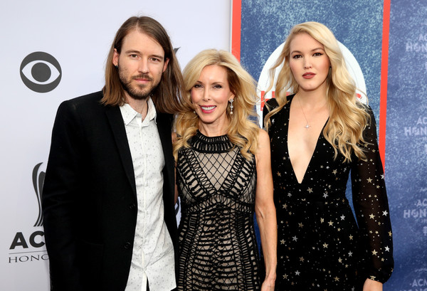 11th Annual ACM Honors - Red Carpet [fashion,little black dress,event,premiere,dress,fashion design,suit,long hair,style,formal wear,acm honors - red carpet,acm honors,l-r,nashville,tennessee,ryman auditorium,ashley campbell,kim campbell,cal campbell]