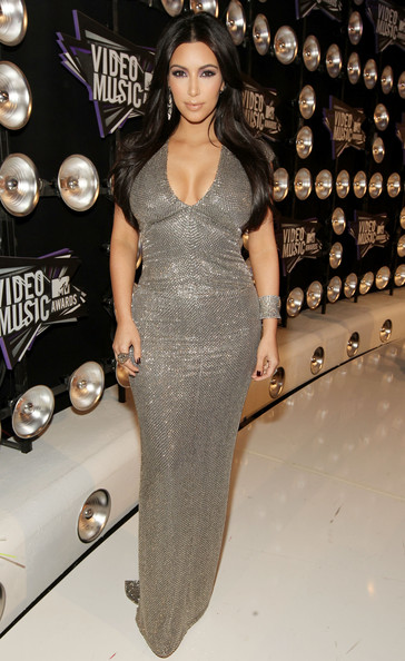 Kim Kardashian TV Personality Kim Kardashian arrives at the 2011 MTV Video Music Awards at Nokia Theatre L.A. LIVE on August 28, 2011 in Los Angeles, California.