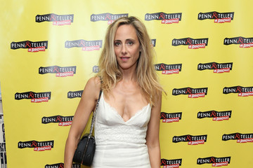Kim Raver Guests Arrive to 'Penn & Teller on Broadway'