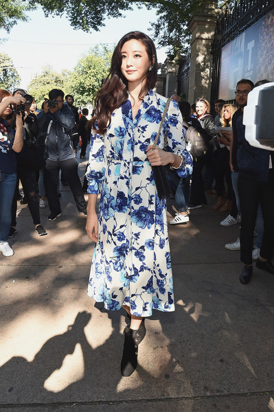 7ca0b6ac584 Kim Sa Rang Photos Photos - Tory Burch Spring Summer 2018 Fashion ...