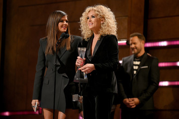 Kimberly Schlapman 2018 CMT Artists Of The Year - Inside