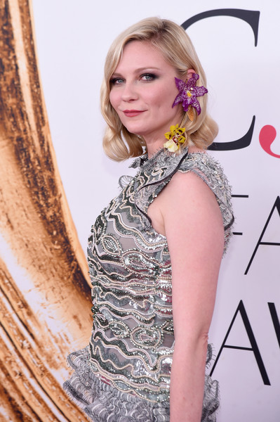 2016 CFDA Fashion Awards - Arrivals [hair,blond,clothing,hairstyle,beauty,dress,fashion,shoulder,long hair,premiere,arrivals,kirsten dunst,hammerstein ballroom,new york city,cfda fashion awards]