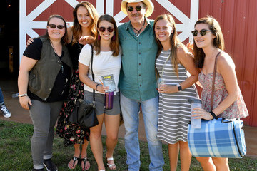 Kix Brooks CMT Music Awards and Cracker Barrel Travelling Front Porch