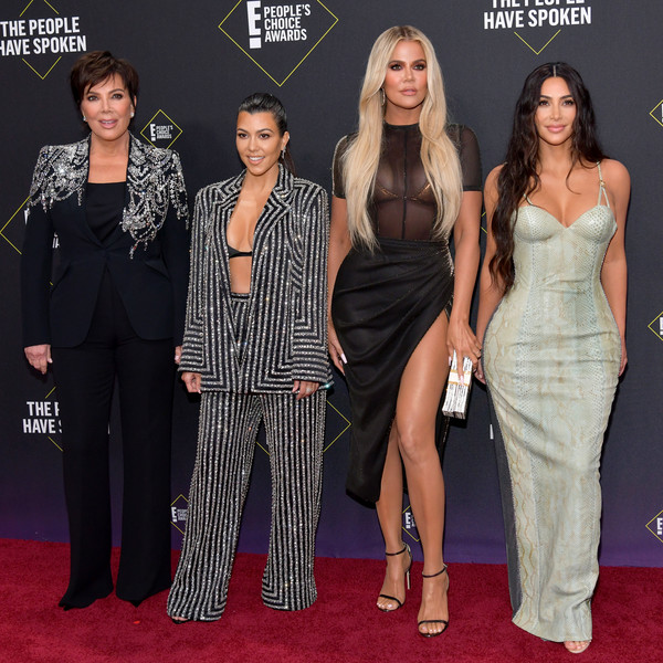 2019 E! People's Choice Awards - Social Crops