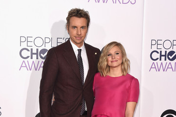 Kristen Bell Arrivals at the People's Choice Awards