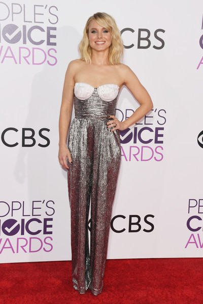 People's Choice Awards 2017 - Arrivals [flooring,fashion model,shoulder,joint,carpet,gown,dress,fashion,cocktail dress,long hair,peoples choice awards,microsoft theater,los angeles,california,kristen bell,arrivals]