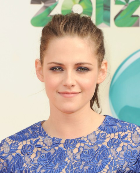 Kristen Stewart - Nickelodeon's 25th Annual Kids' Choice Awards - Arrivals