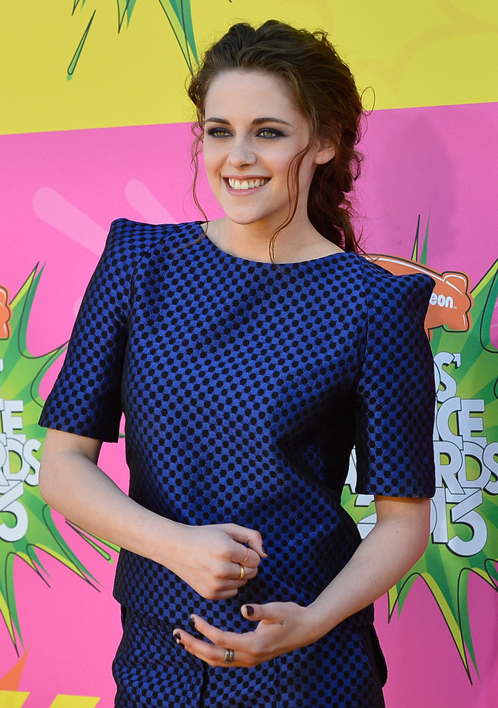 Kristen Stewart - Nickelodeon's 26th Annual Kids' Choice Awards - Arrivals