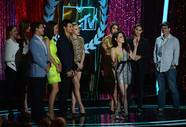 Kristen Stewart and Taylor Lautner - 2012 MTV Movie Awards - Show