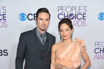 Kristin Kreuk 39th Annual People's Choice Awards - Red Carpet