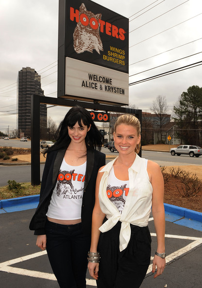 """Alice Eve & Krysten Ritter Become """"Honorary Hooters Girls"""""""