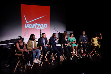 Kwame Jackson Verizon Celebrates Consumers With 'The Big Payoff' Featuring a Performance By Melanie Fiona and Expert Entertainment Panel