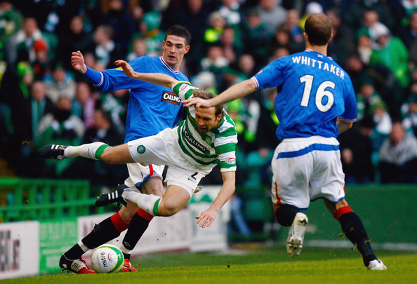 Kyle Lafferty and Andreas Hinkel Photos - 1 of 6
