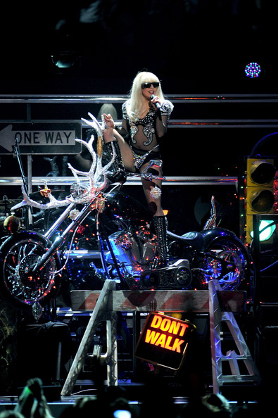 http://www1.pictures.zimbio.com/gi/Lady+Gaga+Z100+Jingle+Ball+2011+Presented+1AOjXUcl-j_l.jpg