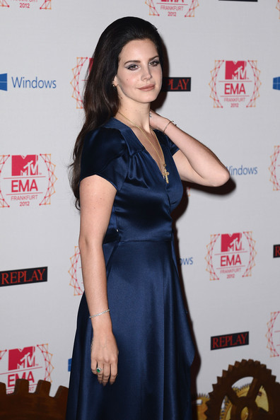 Lana Del Rey - MTV EMA's 2012 - Red Carpet Arrivals