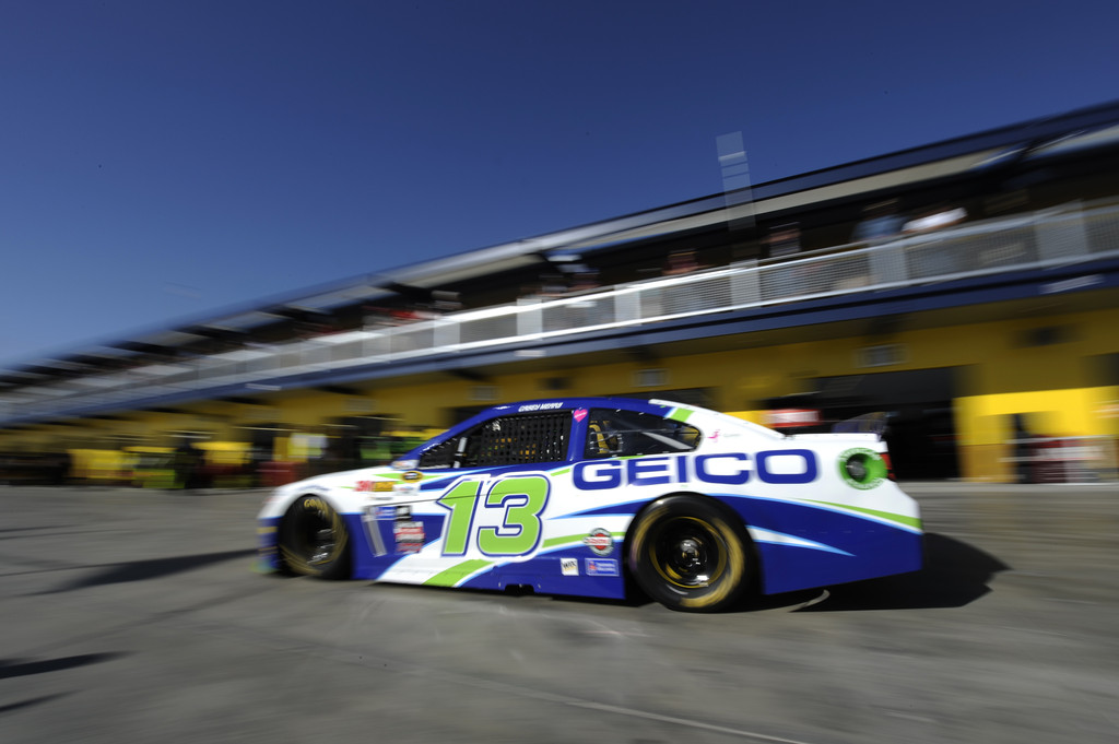 Casey mears pictures las vegas motor speedway day 2 for Las vegas motor speedway