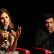 She gives talks with Guillaume Canet.
