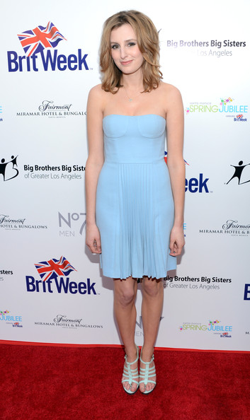 laura carmichael height