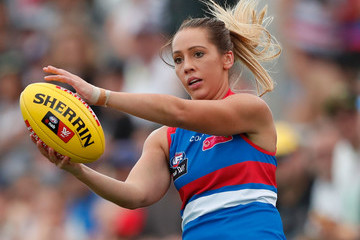 Laura Bailey AFL Women's Rd 1 - Western Bulldogs v Fremantle