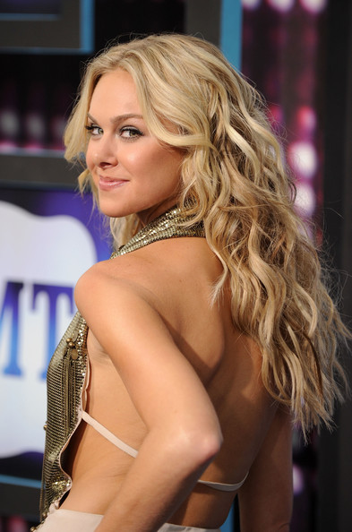 laura bell bundy married
