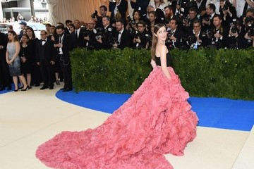 Laura Osnes 'Rei Kawakubo/Comme des Garcons: Art of the In-Between' Costume Institute Gala