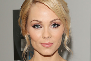 Laura Vandervoort Universal, NBC, Focus Features, E! Entertainment - Sponsored By Chrysler And Hilton - After Party
