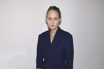 Leelee Sobieski Calvin Klein Collection - Front Row - February 2017 - New York Fashion Week