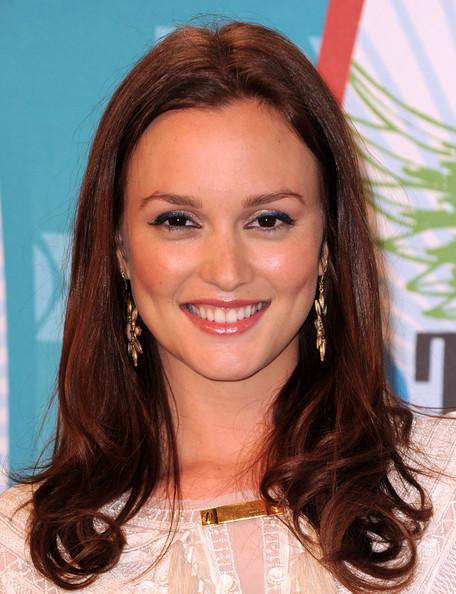 http://www1.pictures.zimbio.com/gi/Leighton+Meester+2010+Teen+Choice+Awards+Press+s3ui7p7TjWxl.jpg