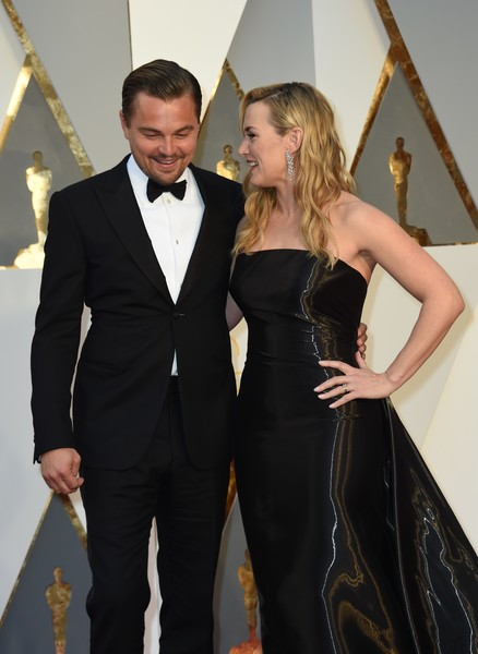 88th Annual Academy Awards - Red Carpet Pictures [photo,suit,formal wear,tuxedo,flooring,fashion,carpet,dress,gown,gentleman,girl,arrivals,leonardo dicaprio,kate winslet,valerie macon,red carpet,california,l,afp,academy awards]