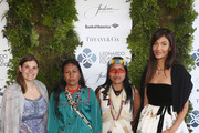 Katie Jackson (L) and Julia Jackson (R) qith guests arrive at the Leonardo DiCaprio Foundation Gala at Jackson Park Ranch on September 15, 2018 in Santa Rosa, California.