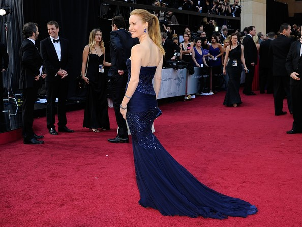 Leslie+Mann+84th+Annual+Academy+Awards+Arrivals+oWreLI5O-b0l.jpg