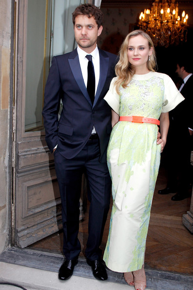 (L-R) Joshua Jackson and Diane Kruger attend the 'Liaisons Au Louvre II' Charity Gala Dinner at Musee du Louvre on June 14, 2011 in Paris, France.