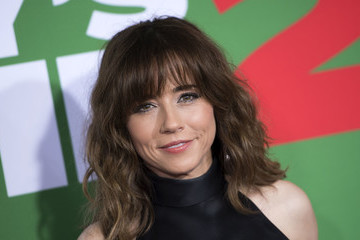 Linda Cardellini Premiere of Paramount Pictures' 'Daddy's Home 2' - Arrivals