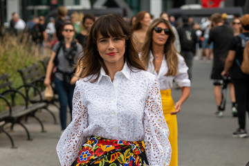 Linda Cardellini Street Style - New York Fashion Week September 2019 - Day 5