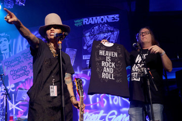 Linda Perry Kerry Brown The Art Of Elysium Presents 'WE ARE HEAR'S HEAVEN 2020' - Inside