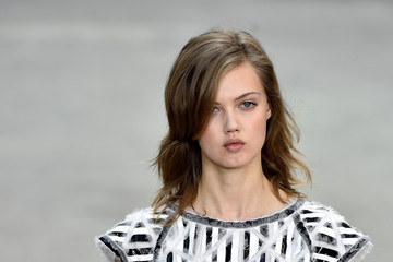Lindsey Wixson Chanel Runway Show