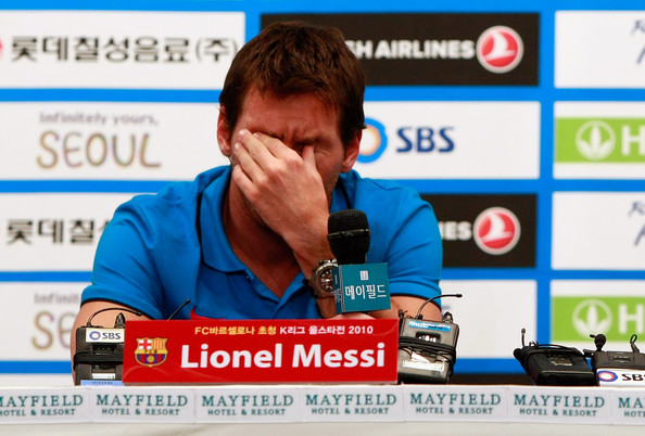 Lionel+Messi+FC+Barcelona+Press+Conference+TDY9beEVY-Ml.jpg