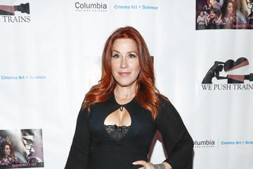 Lisa Ann Walter 'Dependent's Day' Theatrical Release at the Laemmle's NoHo 7
