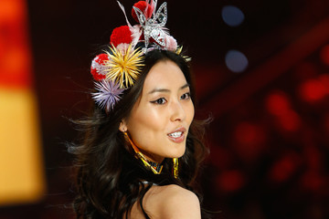 Liu Wen Swarovski Sparkles in the 2016 Victoria's Secret Fashion Show