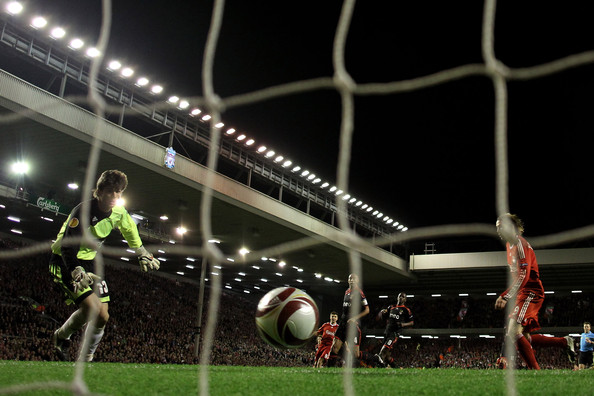 Julio Cesar Fernando Torres of Liverpool scores his team's third goal during the UEFA Europa League Quarter Final second leg match between Liverpool and Benfica at Anfield on April 8, 2010 in Liverpool, England.